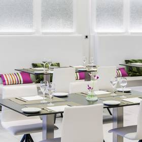 RISTORANTE-Hall ILUNION Suites Madrid